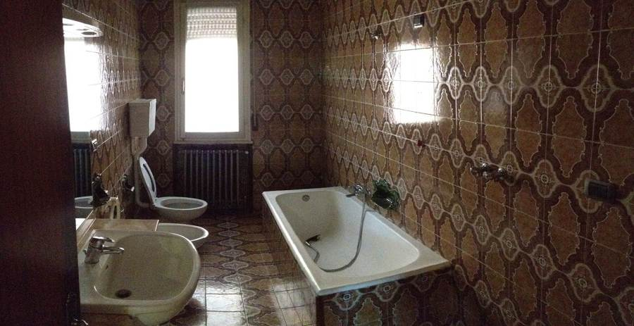 Foto bagno anni 39 70 di makeover costruzioni 283423 habitissimo - Rifacimento bagno manutenzione ordinaria o straordinaria ...