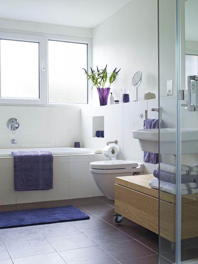 Foto bagno bianco e grigio di rossella cristofaro 569130 for Idea bagno trento