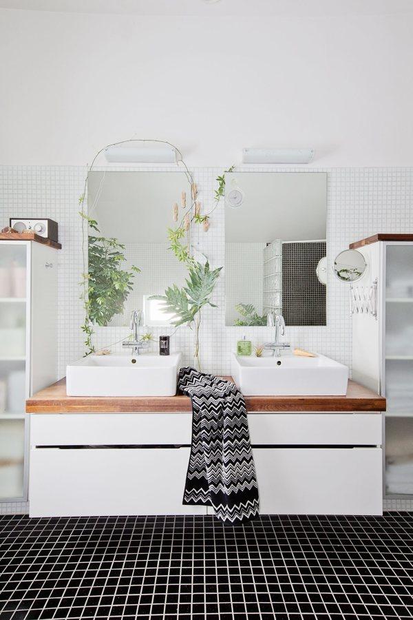 Bagno con mosaico bianco e nero