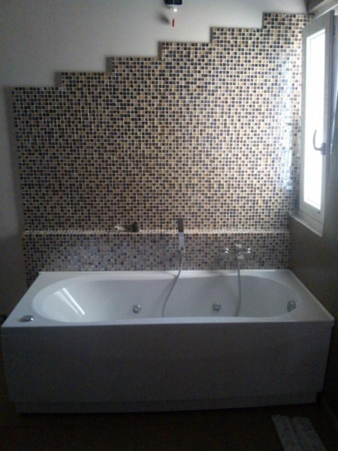 Foto: Bagno con Mosaico e Vasca Idromassaggio di De Castro Srl #326039 - Habi...