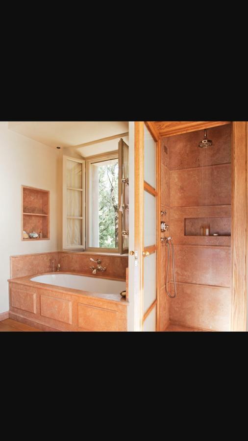 Bagni lussuosi in marmo e mosaici e maioliche relais - Nicchie in bagno ...