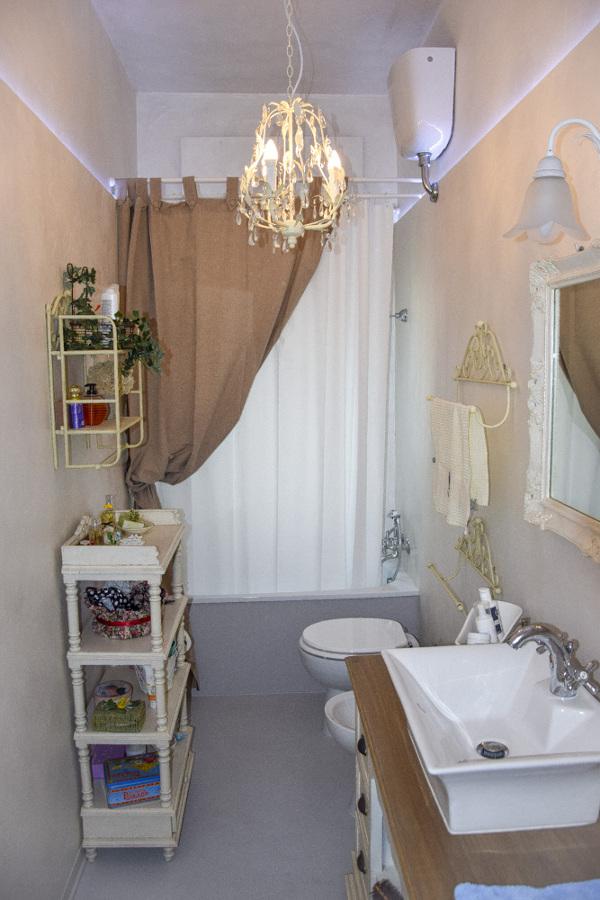 Foto: bagno con pavimento in resina di arredoretrò #323381 ...
