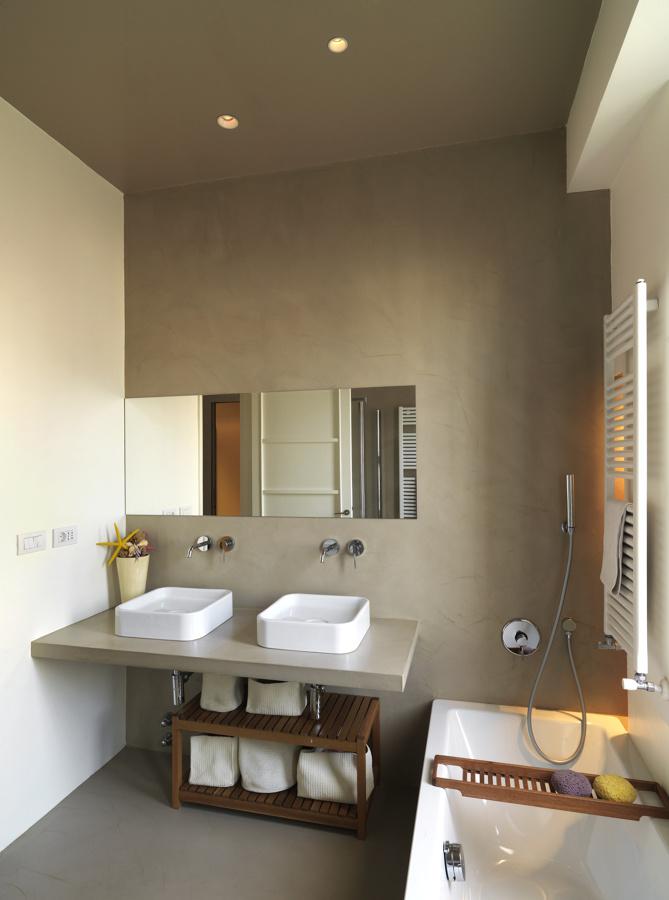 Ristrutturare il bagno senza demolire relooking idee ristrutturazione bagni - Due lavandini bagno ...