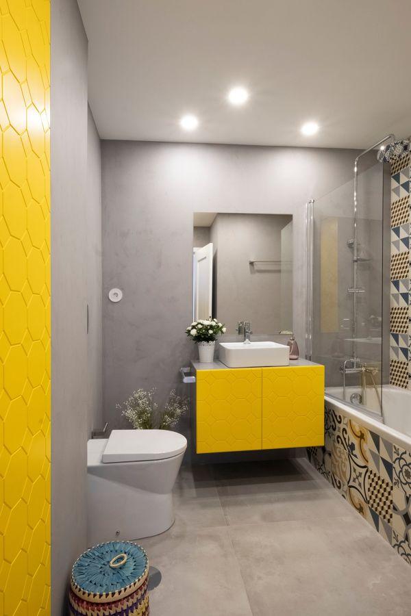 bagno grigio e giallo