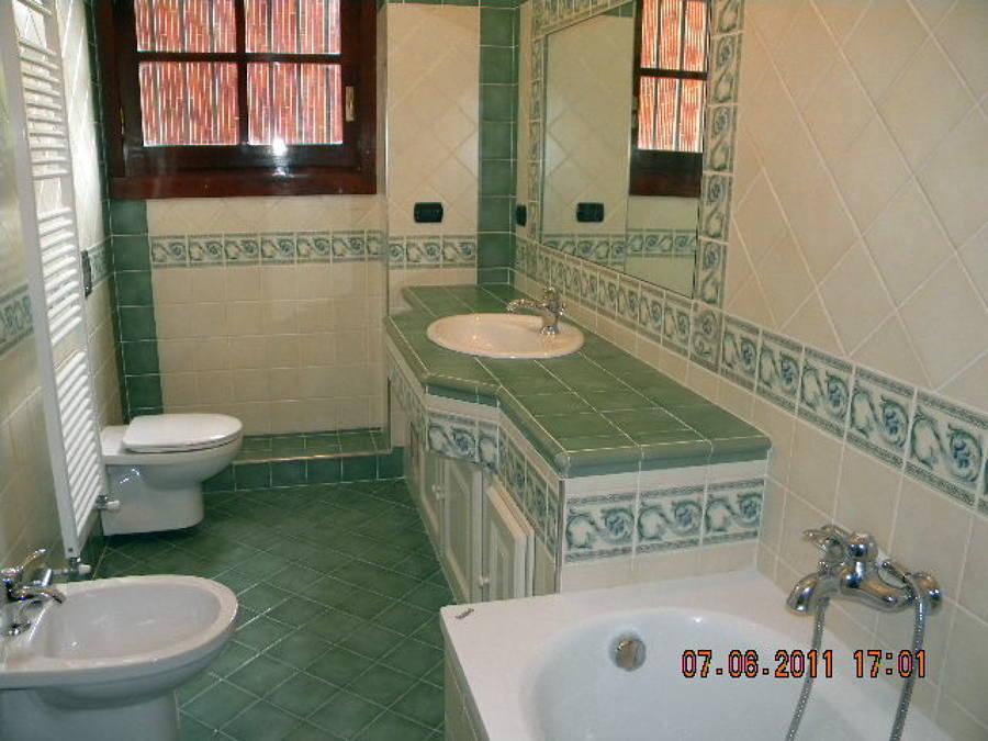 Progetto ristrutturazione appartamento idee - Bagno con greca ...