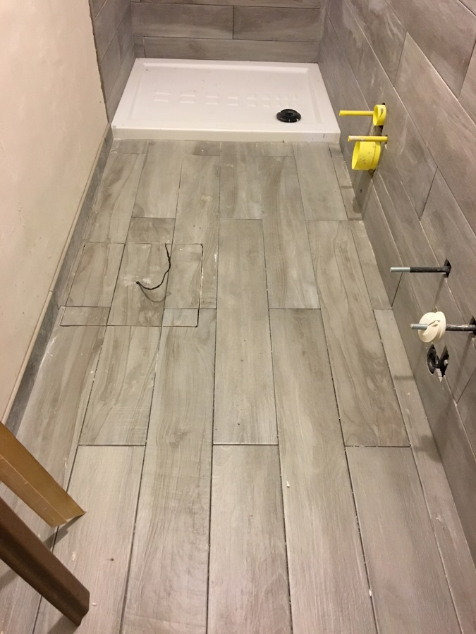 Rivestire pavimento cemento e piastralle per un pavimento - Parquet sopra piastrelle ...