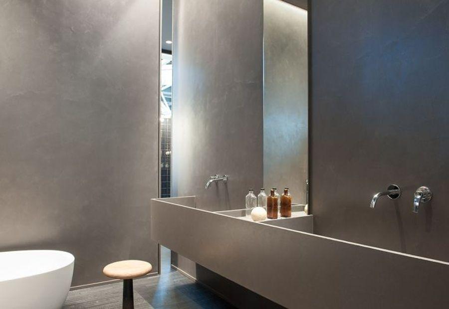 bagno pareti in microcemento spatolato finitura satinata