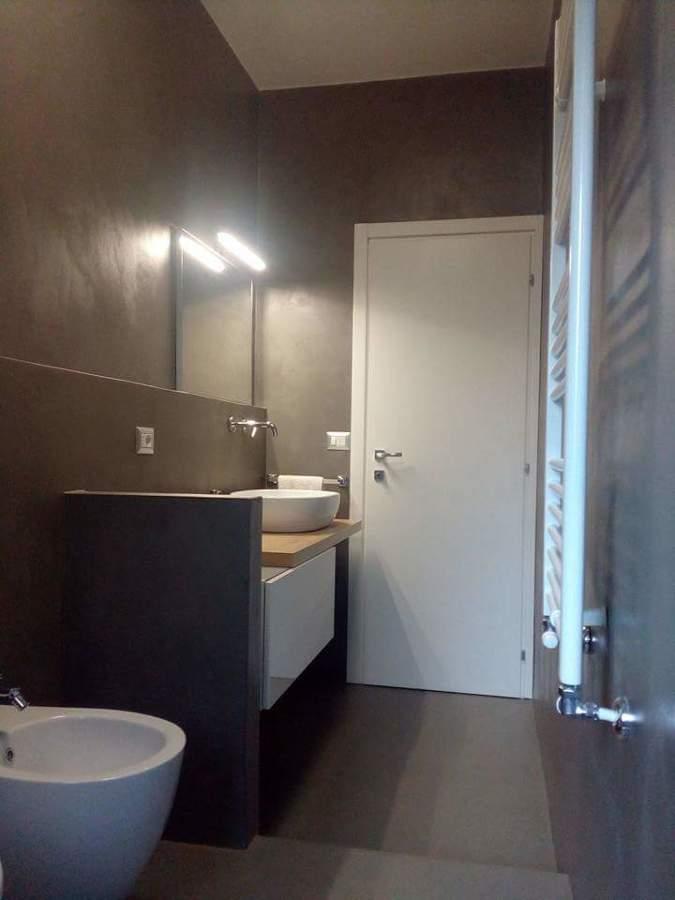 Progetto resina idee ristrutturazione casa - Coprire piastrelle con resina ...