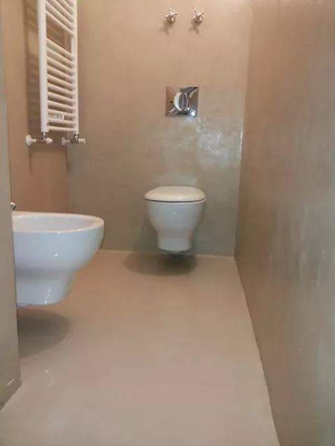 Progetto resina idee ristrutturazione casa - Bagno cemento spatolato ...