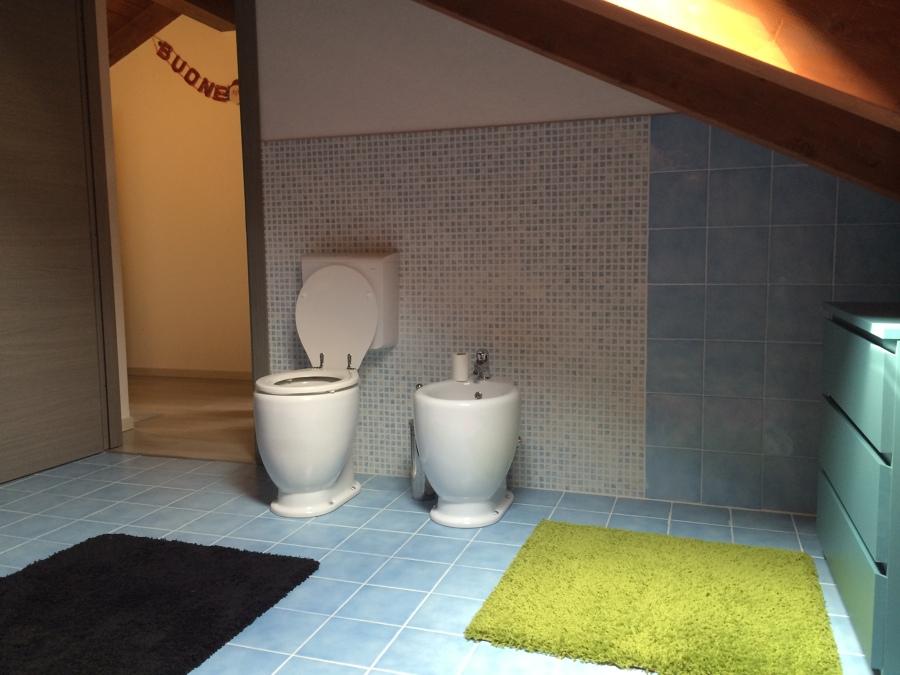 Foto bagno mansarda di de castro srl 326939 habitissimo - Bagno in mansarda ...