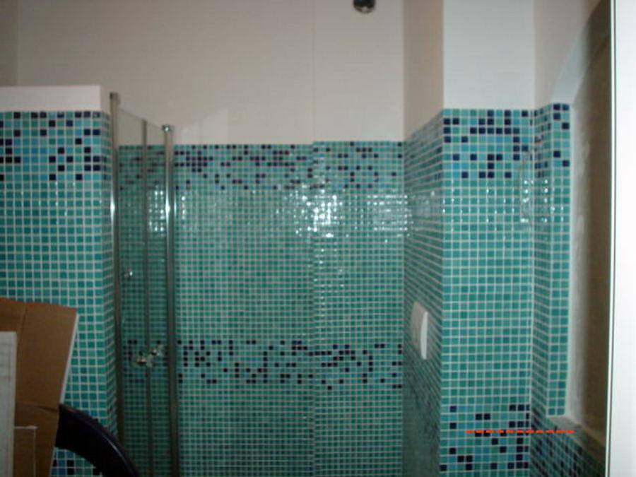 Progetto di ristrutturazione bagno con mosaico idee ristrutturazione bagni - Finto mosaico bagno ...