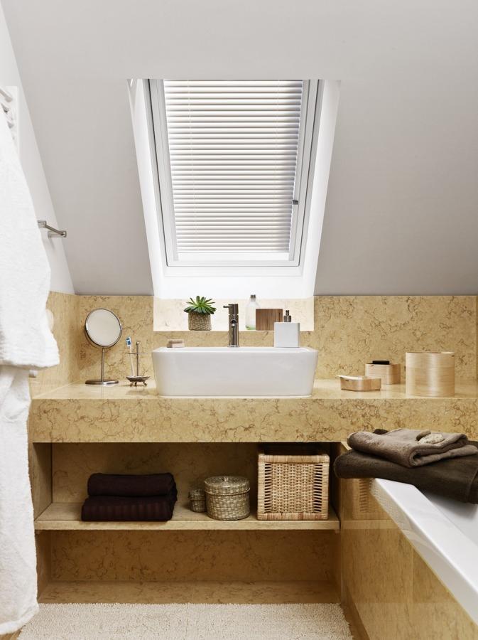 Foto bagno nel sottotetto di marilisa dones 370607 habitissimo - Spiata nel bagno ...