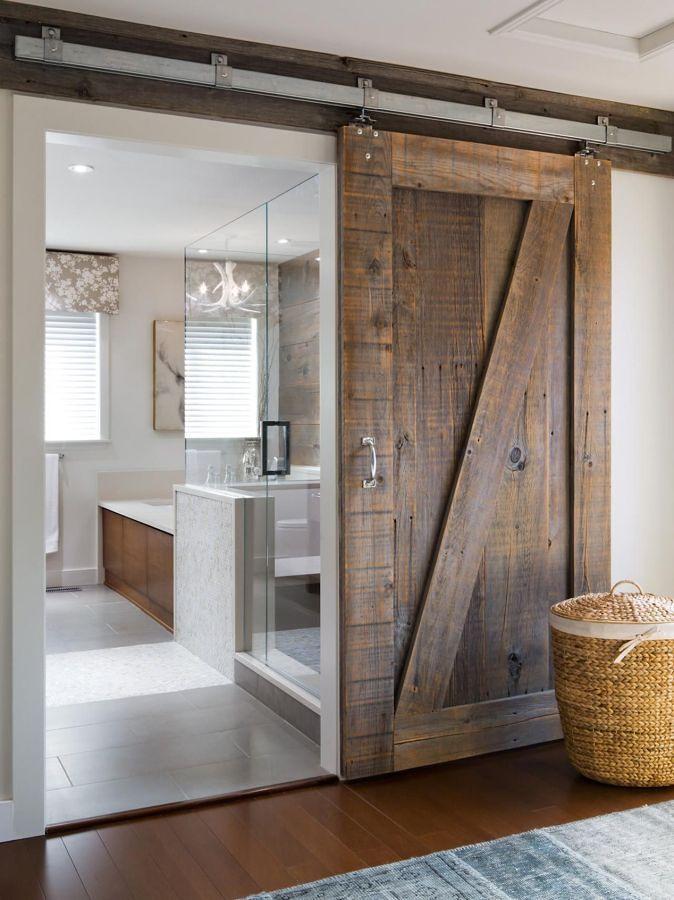 bagno rustico con porta scorrevole