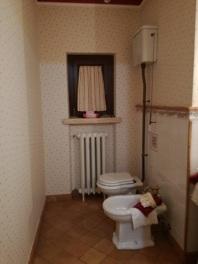Casa nuova stile casale rustico idee costruzione case - Bagno in inglese ...