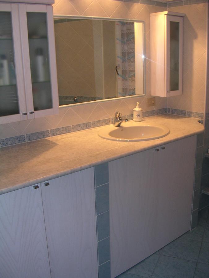 Progetto arredo bagno idee ristrutturazione bagni for Progetto arredo