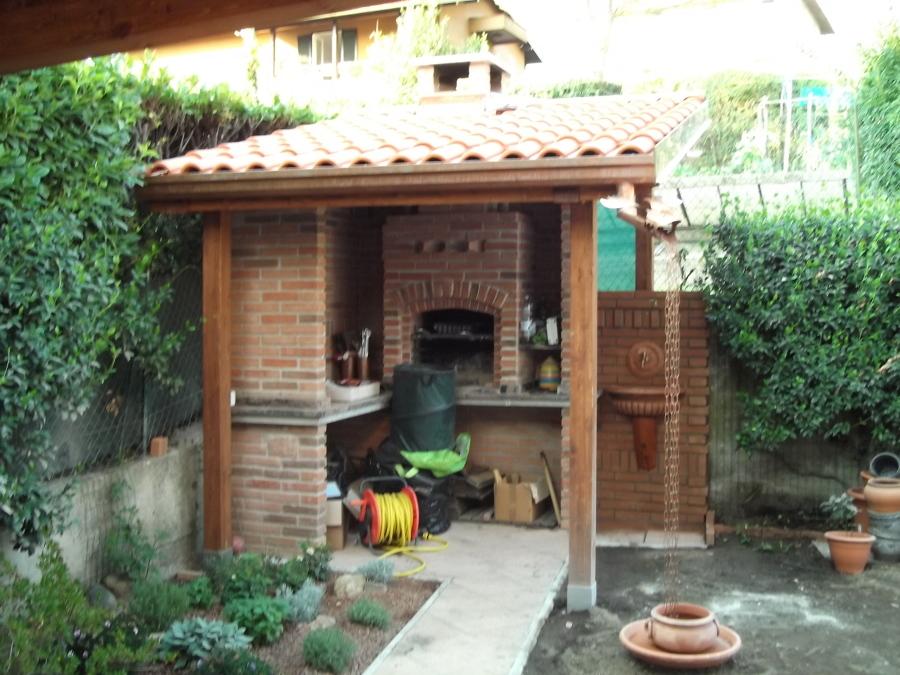 Barbecue in muratura idee ristrutturazione casa - Cucina esterna in muratura con barbecue ...