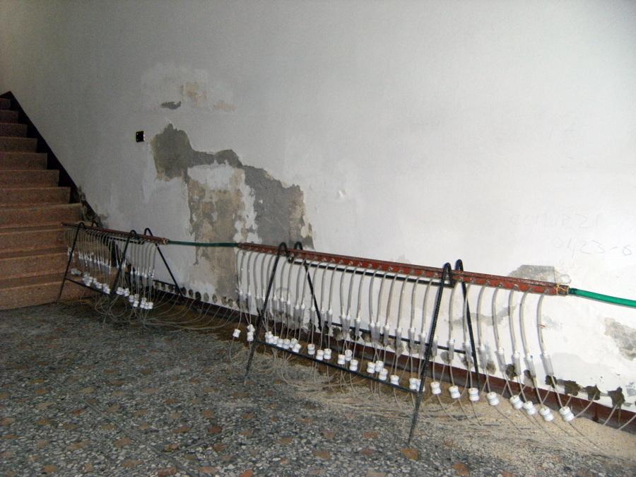 Foto barriera chimica contro l 39 umidit di risalita di piva srl 49855 habitissimo - Contro l umidita in casa ...