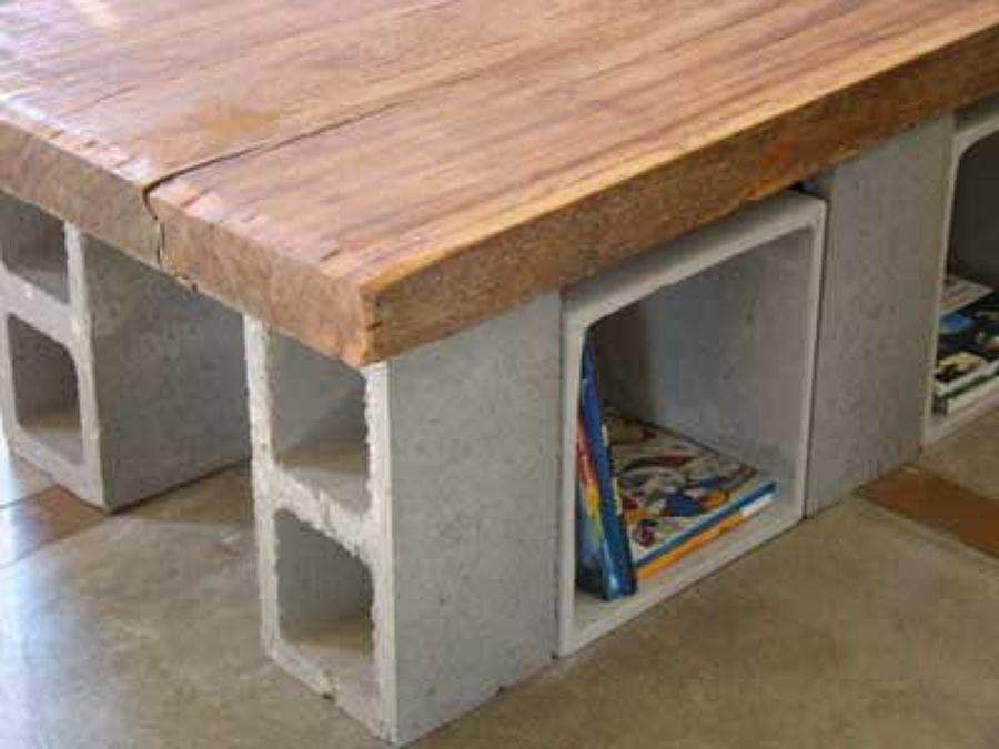 Come costruire un divano da giardino con blocchi di - Muebles con ladrillos ...