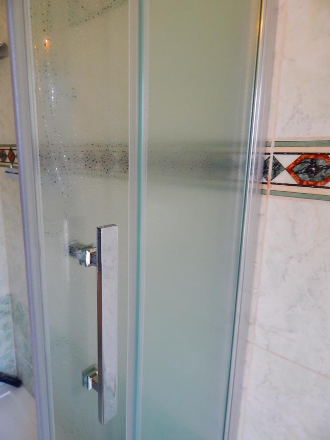 Foto box doccia 6 mm di ristruttura di scotti omar - Box doccia parma ...