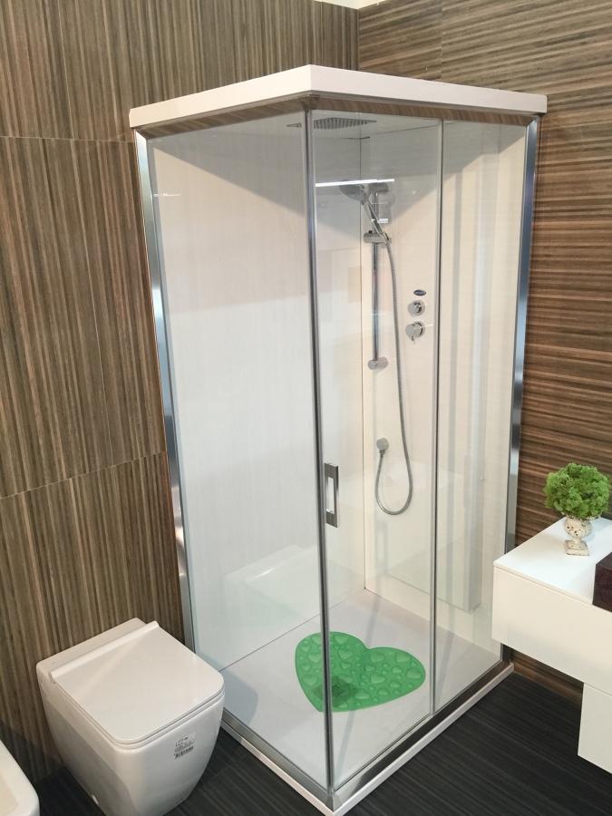 Box doccia a misura idee costruzione piscine - Idee box doccia ...