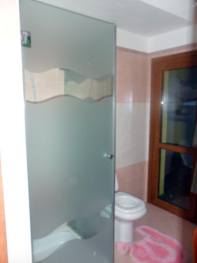 Foto box doccia sabbiato di 035 serramenti e vetri 89911 for Foto box doccia