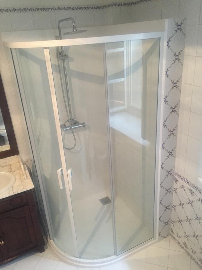 Box doccia su bagno esistente