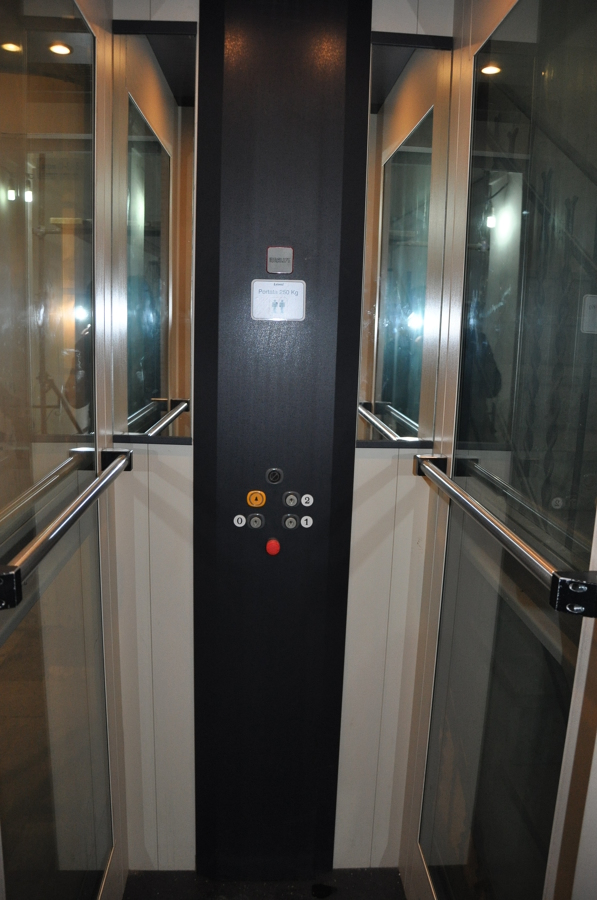 Installazione piattaforma elevatrice condominio for Cabina a 2 piani