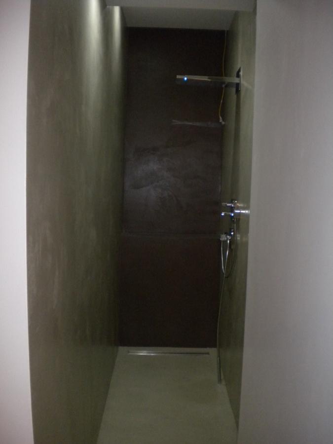 Cabina doccia completamente in resina