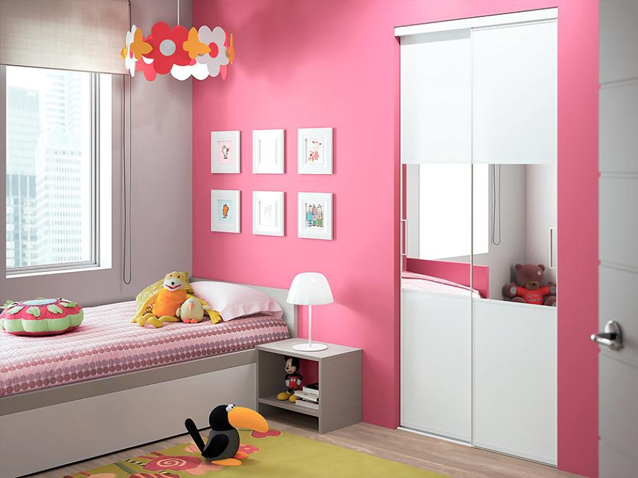 camera bambina