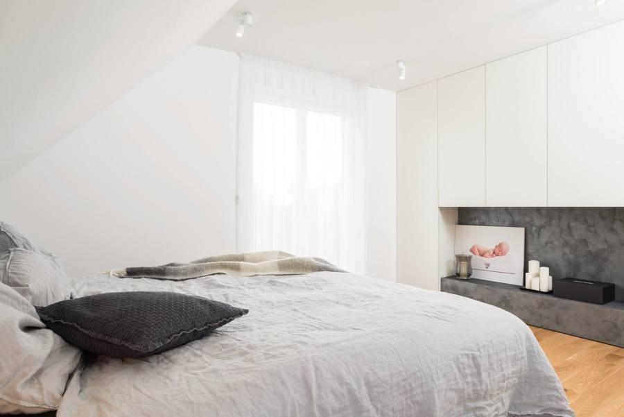Foto camera da letto bianca e grigia di rossella - Camera da letto grigia ...