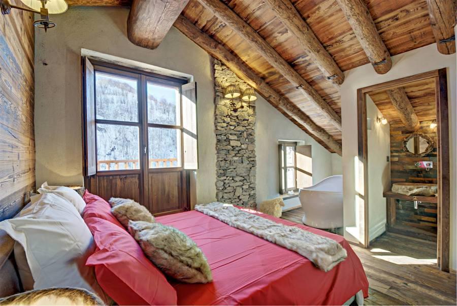 foto camera da letto in casa in campagna di valeria del