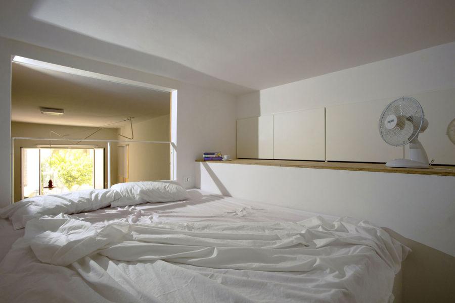 Foto camera da letto sul soppalco di rossella cristofaro - Camera da letto a soppalco ...