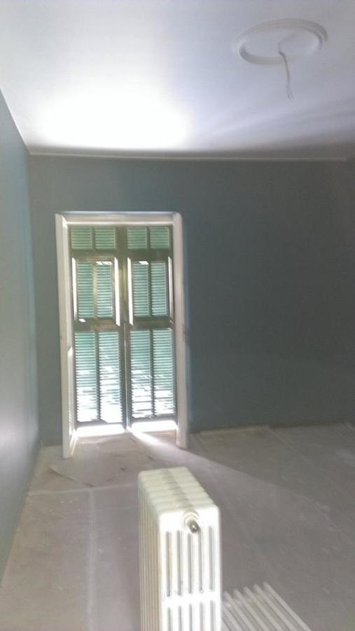 Camera in fase di pitturazione