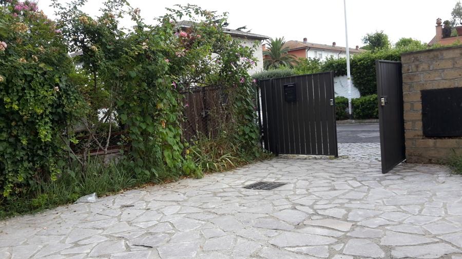 cancello esterno ferro;