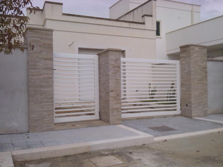 Cancello Esterno Moderno : Foto cancello scorrevole in ferro di doorwell porte finestre