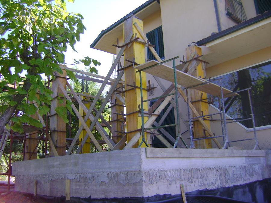 cantiere: il getto dei pilastri