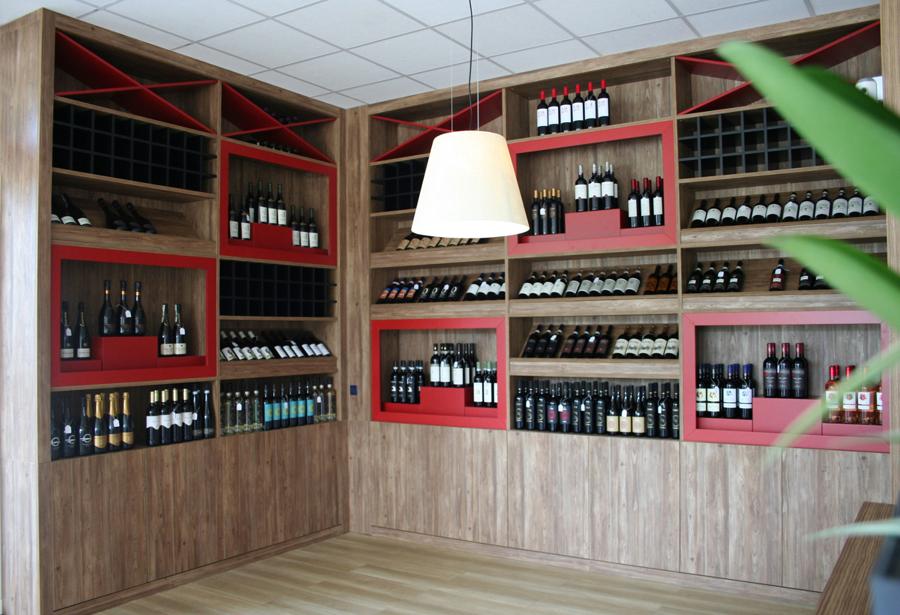 Design interni enoteca e progetto arredo wine bar su misura idee