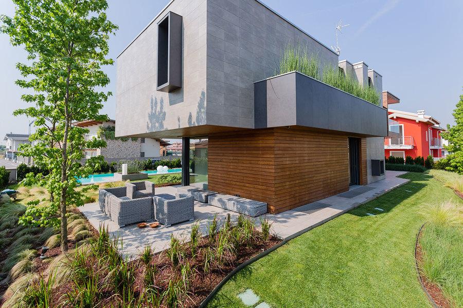 Villa unifamiliare a caravaggio bg studio tironi for Immagini giardini case