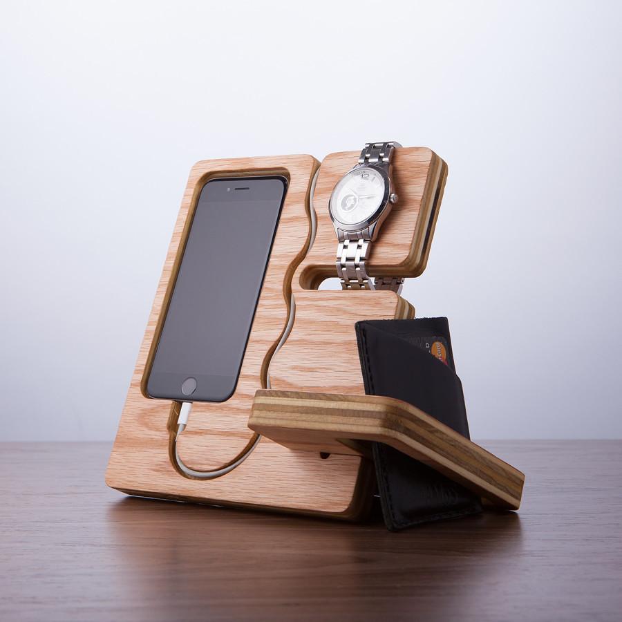 caricabatteria e portagioie 334743 10 e più accessori fantasiosi per iPhone 4, 5, 6 e iPad