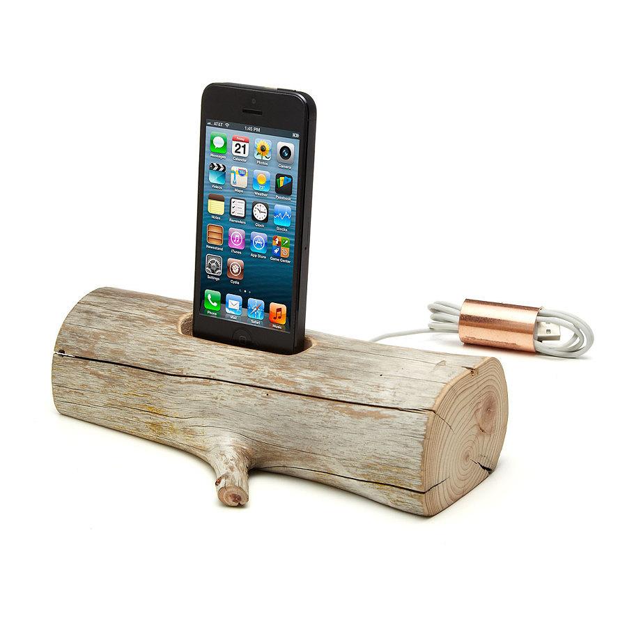 caricatore legno 334739 10 e più accessori fantasiosi per iPhone 4, 5, 6 e iPad