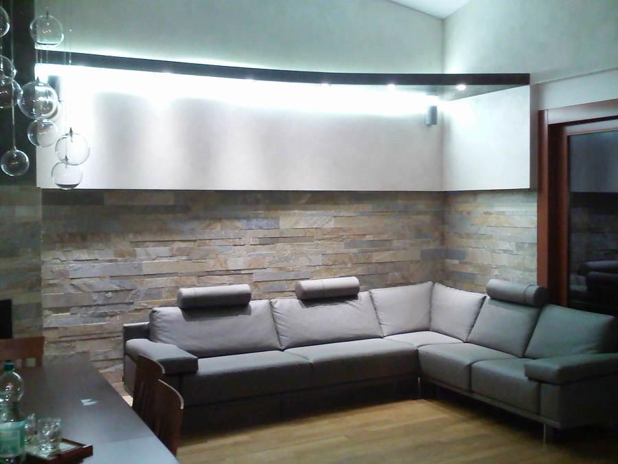 Foto cartongesso con illuminazione a led di zeta interni - Illuminazione soggiorno moderno ...