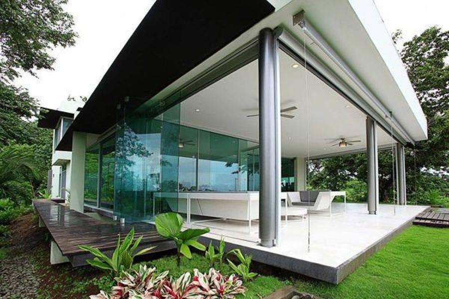 Foto casa con giardino e veranda di marilisa dones - Come disegnare una casa con giardino ...