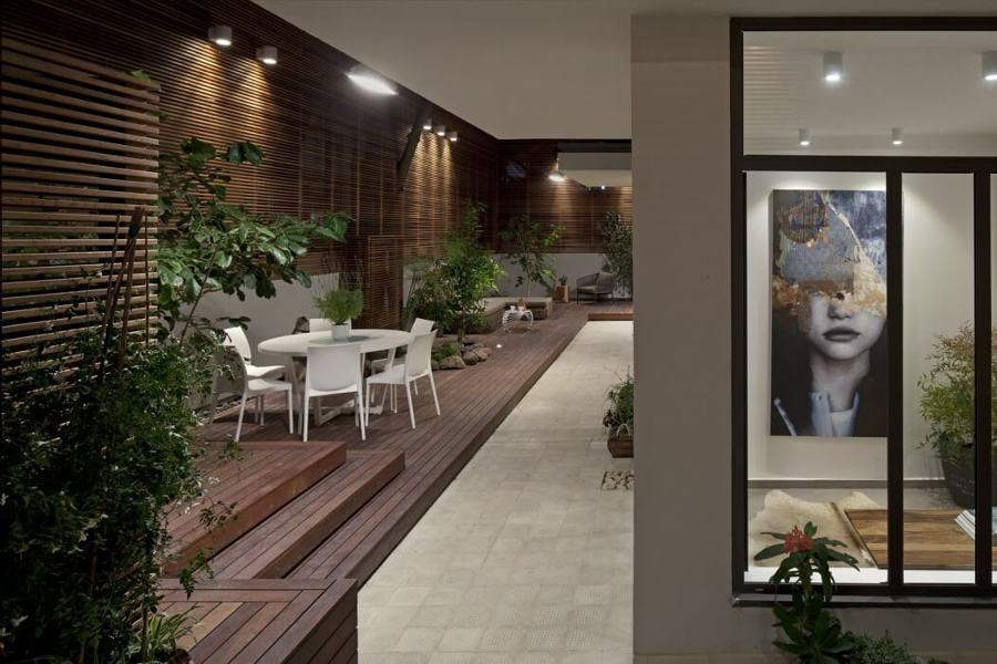Casa con spazio esterno