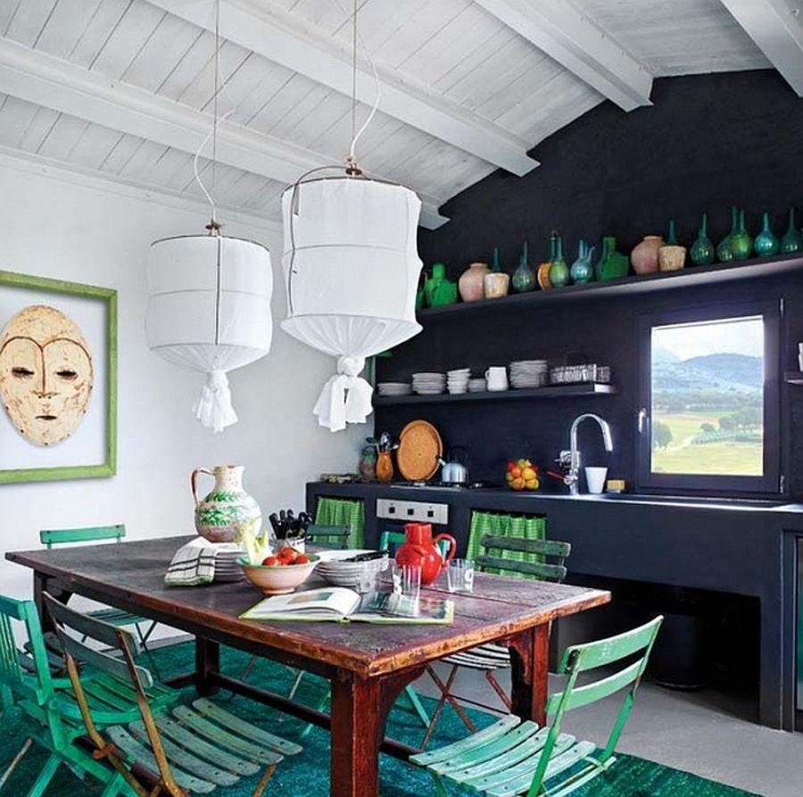 Casa di campagna con oggetti artigianali