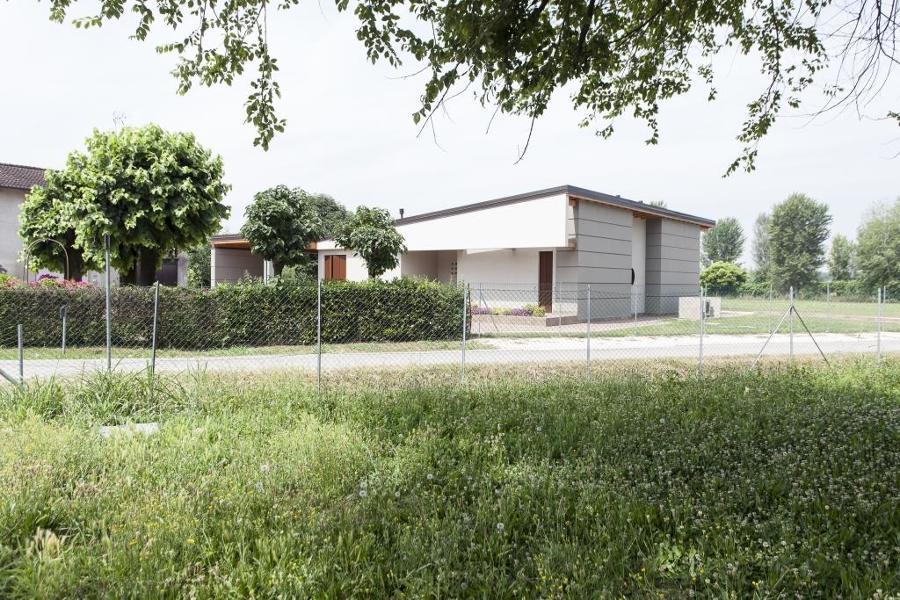 Casa in legno moderna idee costruzione case prefabbricate - Casa legno moderna ...