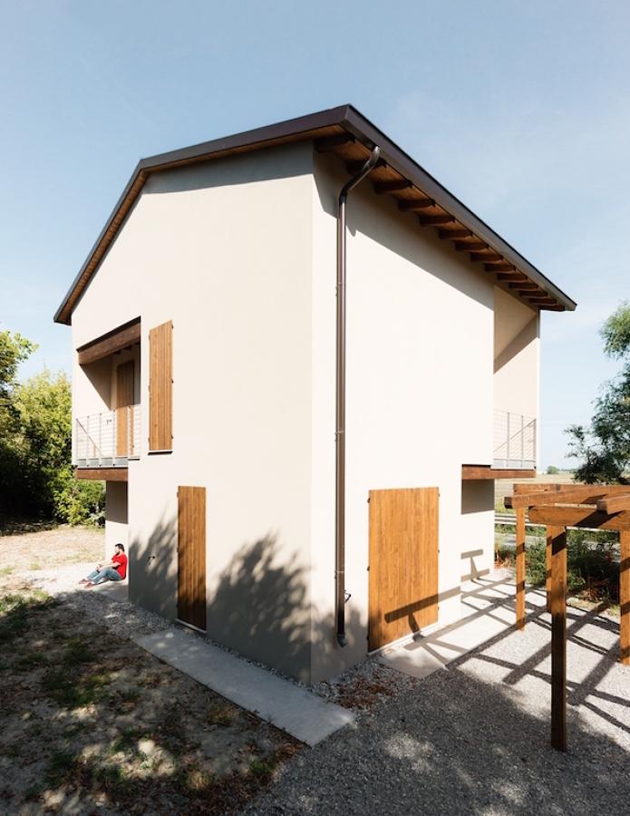 Casa in legno a novellara re idee costruzione case for Piani di casa in stile ranch tradizionale