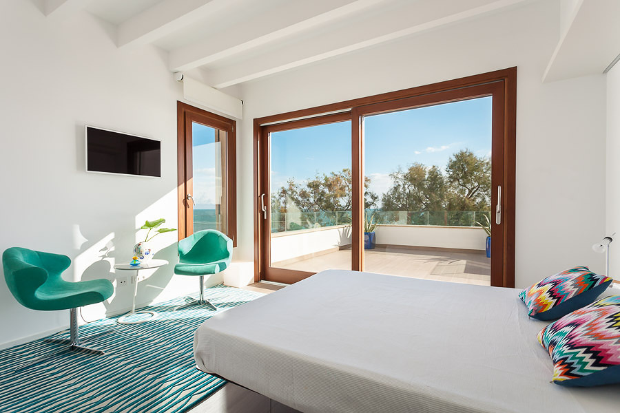 Case Mare Stile Mediterraneo : Una casa in stile mediterraneo aperta sul mare idee interior designer