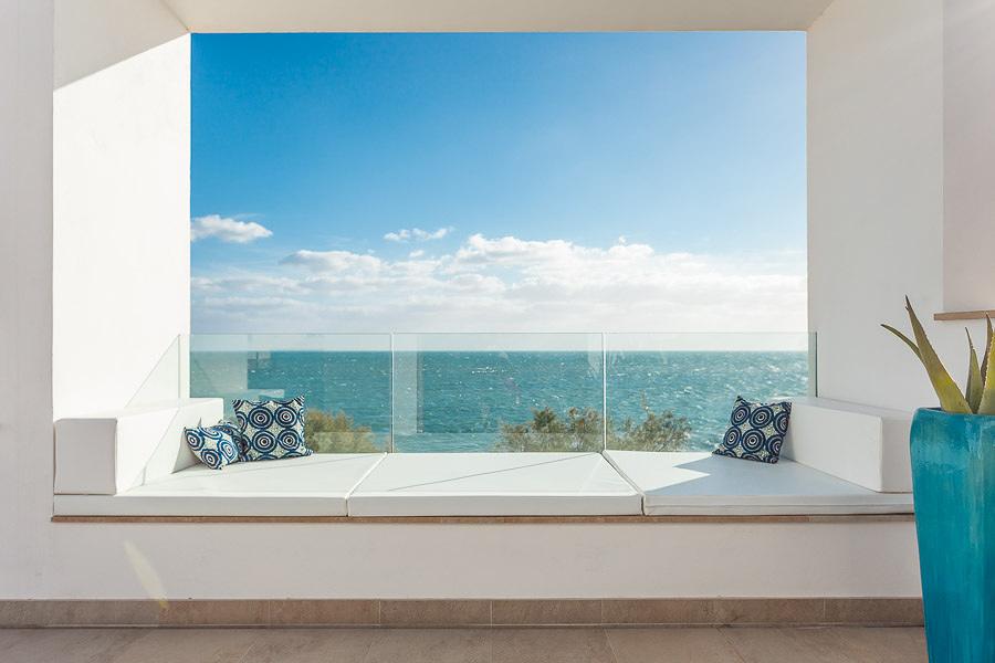 Una casa in stile mediterraneo aperta sul mare idee - Ristrutturare casa al mare ...