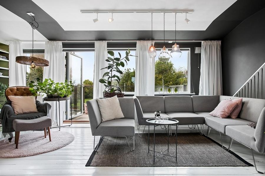 Foto casa moderna con grandi finestre di rossella for Casa moderna vicenza