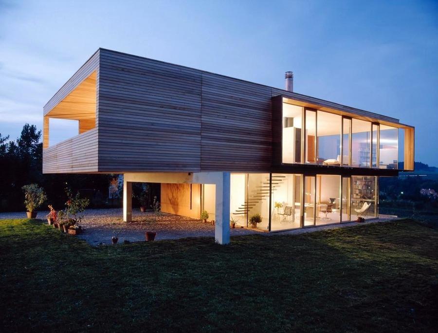 Casa prefabbricata in legno su due livelli